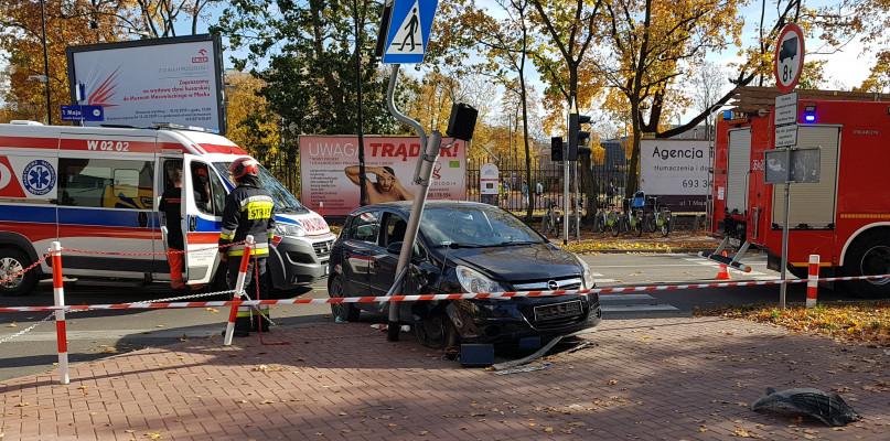 Wypadek w centrum. Korki, dwoje dzieci w szpitalu - Zdjęcie główne