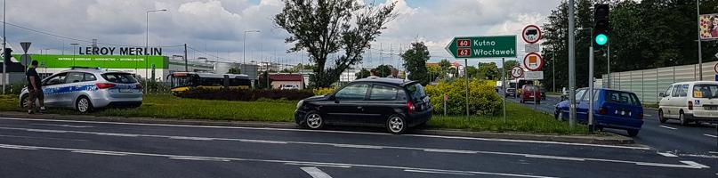 Zderzenie samochodów na rondzie Wojska Polskiego - Zdjęcie główne