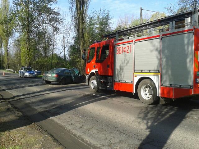 Wypadek przy Bielskiej.Kierowca ranny[FOTO] - Zdjęcie główne
