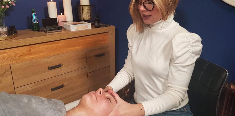 Jak odzyskać młody i zdrowy wygląd, a przy tym zachować własną twarz? Terapią biologicznej odnowy - Zdjęcie główne