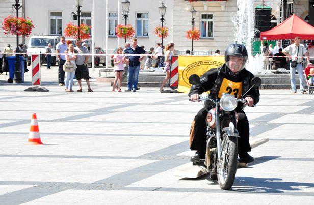 Raj dla miłośników motoryzacji i historii - Zdjęcie główne
