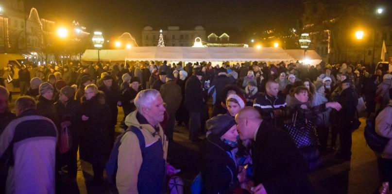 Opłatek przed Ratuszem to już przedświąteczna tradycja  - Zdjęcie główne