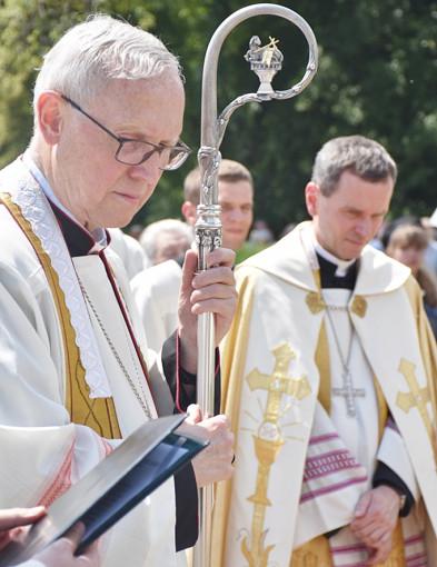 Biskup Libera o pobycie w klasztorze: Ufam, że mój ukochany Kościół to rozumie - Zdjęcie główne