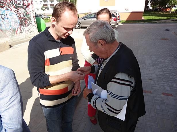 Dostali klucze, sąsiedzi protestowali[FOTO] - Zdjęcie główne