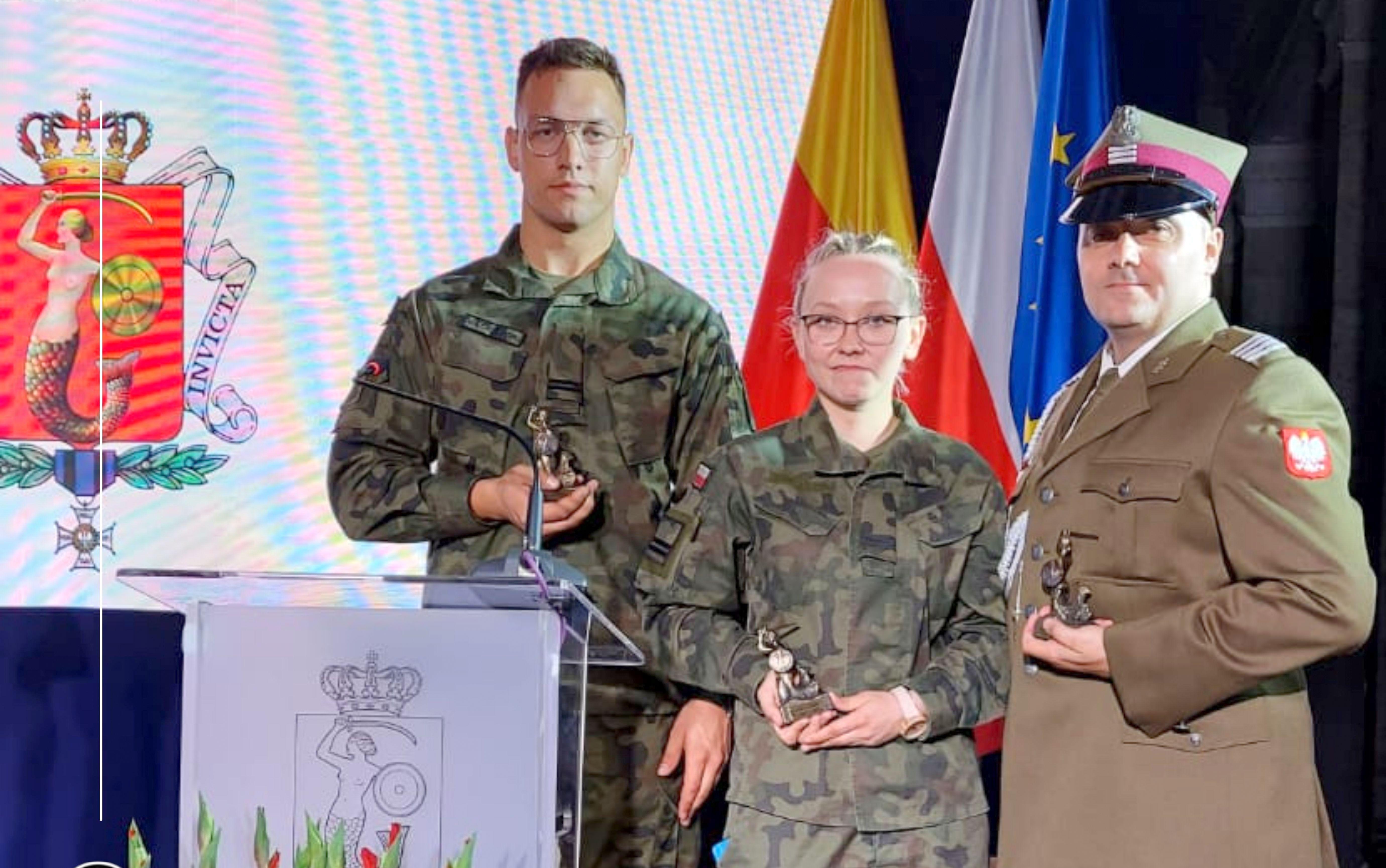 Karolina i Sebastian z Płocka obok Tokarczuk, Manna, Tuleyi i Barcisia. Prestiżowe nagrody - Zdjęcie główne