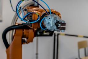 Automatyzacja produkcji – jakie są jej zalety dla firmy przemysłowej? - Zdjęcie główne