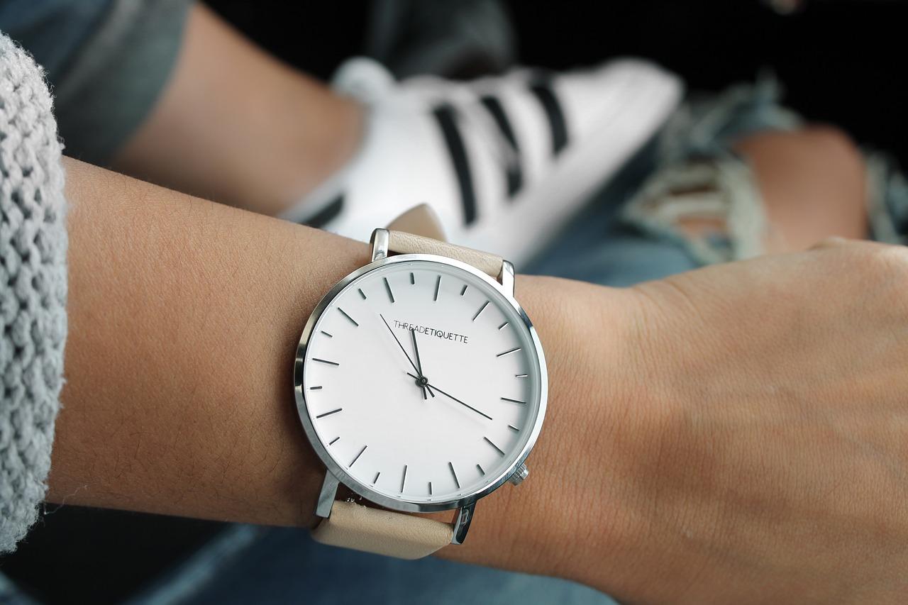 Jak wybrać dobry zegarek? Poradnik - Zdjęcie główne