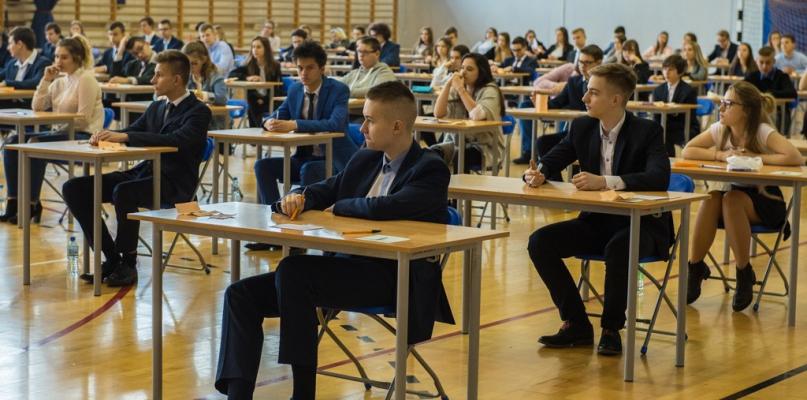 Są wyniki egzaminów gimnazjalnych. Jak wypadli płocczanie? - Zdjęcie główne