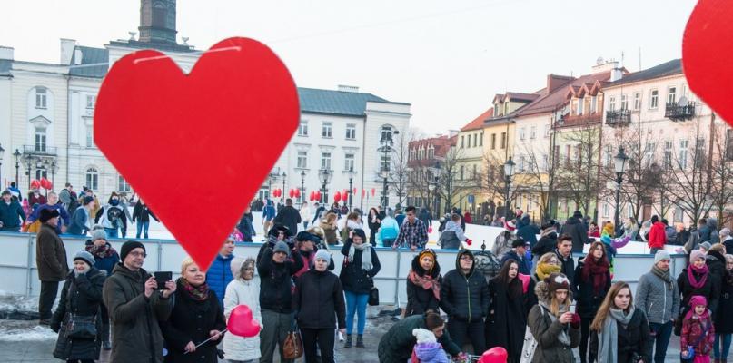 Przyszli na starówkę, aby wyznać miłość [FOTO] - Zdjęcie główne