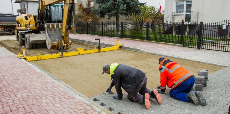 Trwa budowa ulicy na Borowiczkach. Prace zakończą się w grudniu - Zdjęcie główne