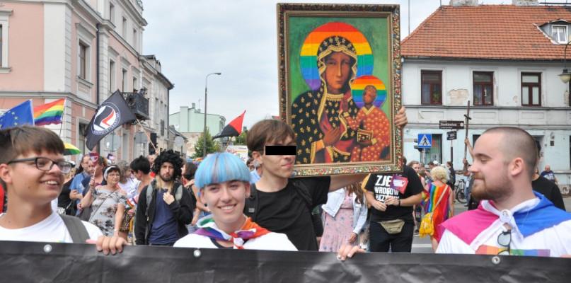 Tymczasowo aresztowany aktywista LGBT przebywa w płockim więzieniu - Zdjęcie główne