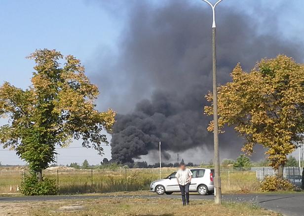 Pożar naczepy, dym jest ogromny [FOTO] - Zdjęcie główne
