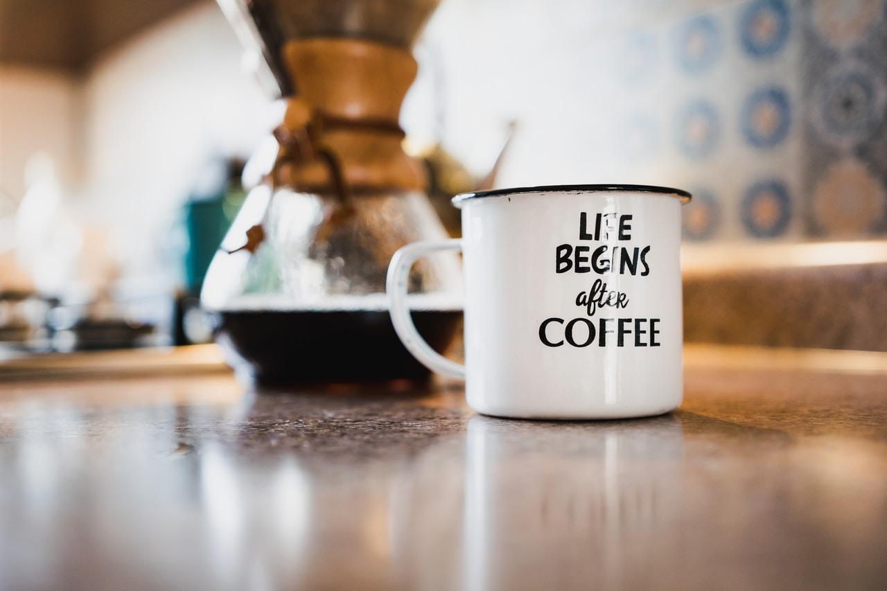 Czym jest kawa alternatywna i jakich akcesoriów potrzebujemy do jej przygotowania? - Zdjęcie główne