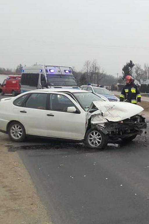 Pijany kierowca spowodował wypadek. Jedna osoba w szpitalu - Zdjęcie główne
