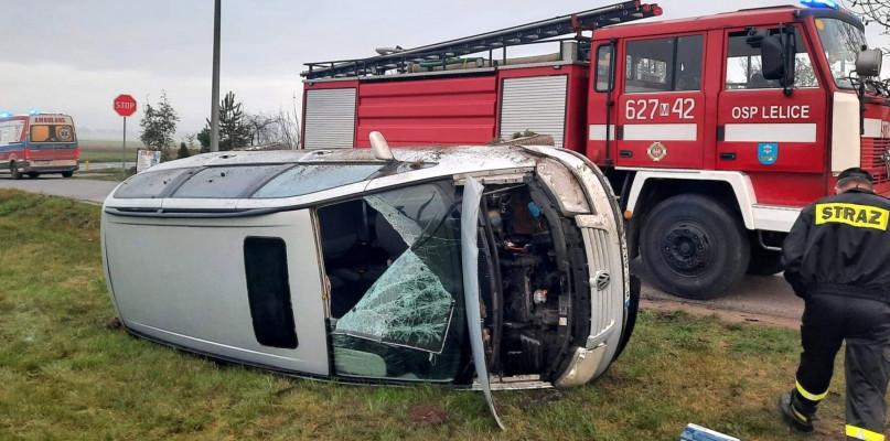 Niebezpiecznie koło Bielska. Volkswagen wypadł z drogi - Zdjęcie główne