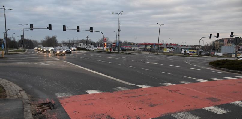 Rozbudowa drogi wylotowej na Warszawę. Przetarg jest, ale... - Zdjęcie główne