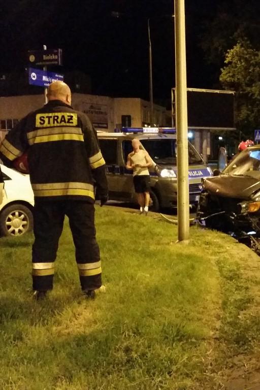 Nocny wypadek w centrum - Zdjęcie główne