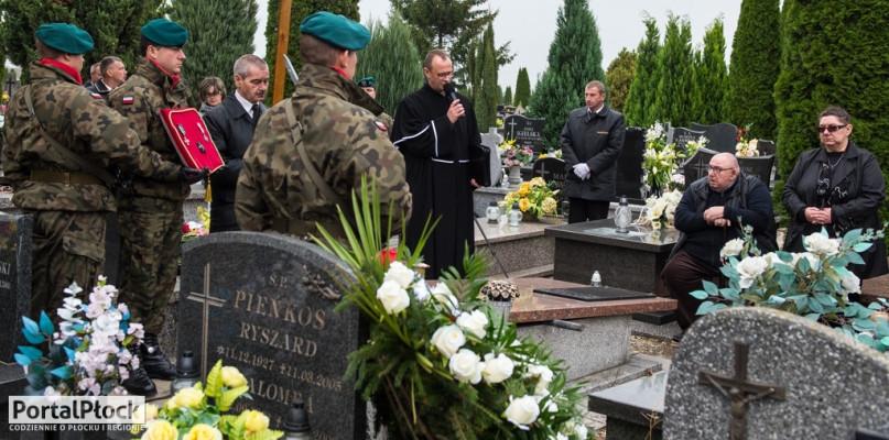 Pogrzeb majora. Na cmentarzu było wojsko [FOTO] - Zdjęcie główne