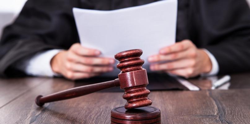 W płockim sądzie toczy się proces adwokatów i radców prawnych. Został utajniony - Zdjęcie główne