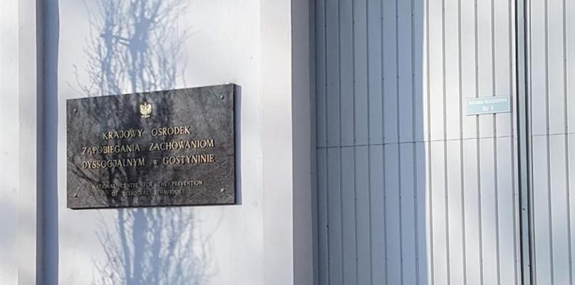 Przeludnienie sprzyjające aktom agresji. Skontrolowano ośrodek w Gostyninie - Zdjęcie główne
