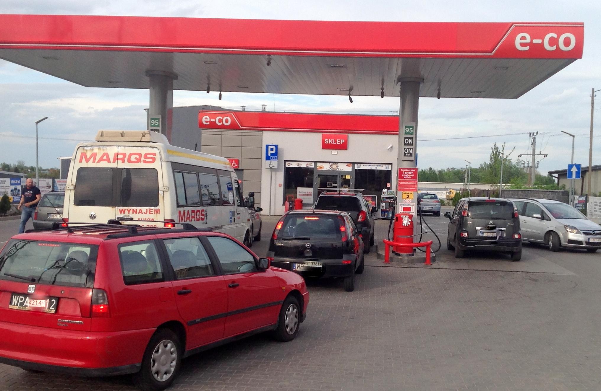 Nasze drogie tankowanie. Ceny paliw na stacjach w Płocku [RAPORT, gdzie najtaniej?] - Zdjęcie główne