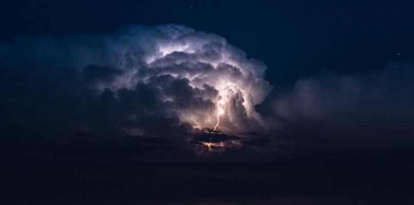 Pogoda może nas jeszcze w poniedziałek zaskoczyć - Zdjęcie główne