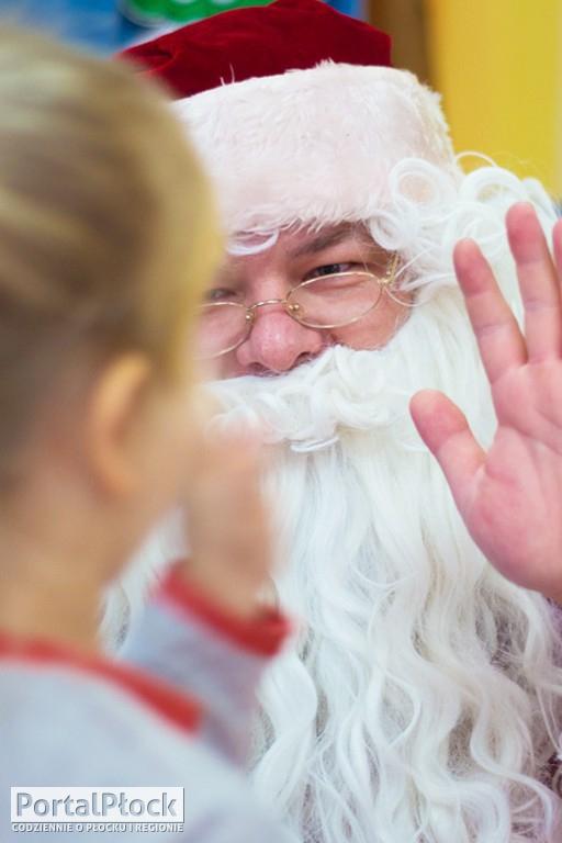Prezydent jako Mikołaj w przedszkolu - Zdjęcie główne