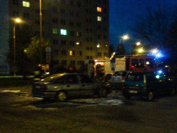 Na Międzytorzu zapalił się samochód [FOTO] - Zdjęcie główne