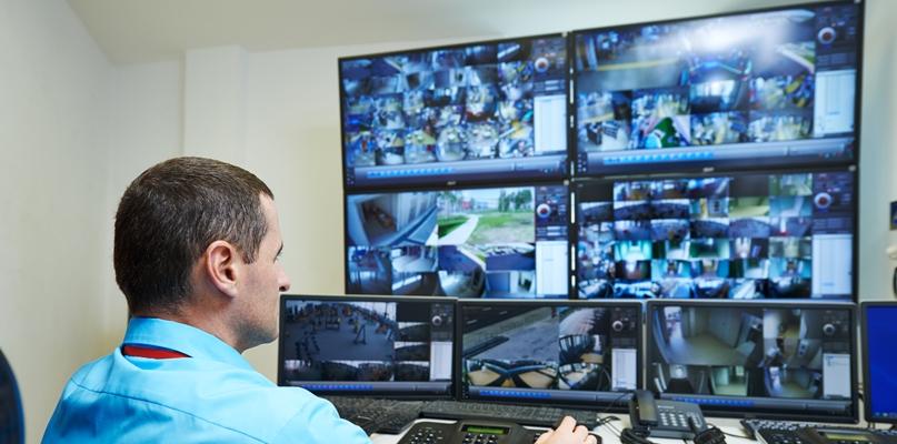 Włamał się, po czym ukradł sprzęt do monitoringu - Zdjęcie główne
