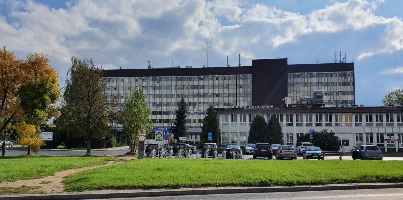 W weekend w płockim szpitalu zmarło 11 pacjentów z COVID-19 - Zdjęcie główne