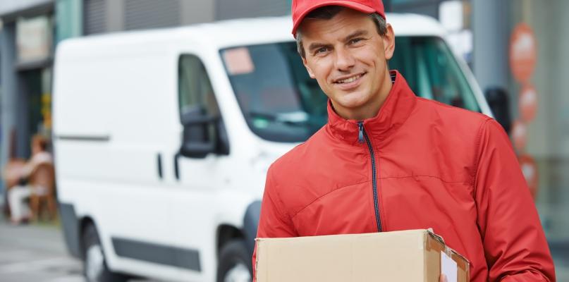 Chcesz zaoszczędzić na wysyłaniu paczek? Skorzystaj z Kuriera BTL - Zdjęcie główne