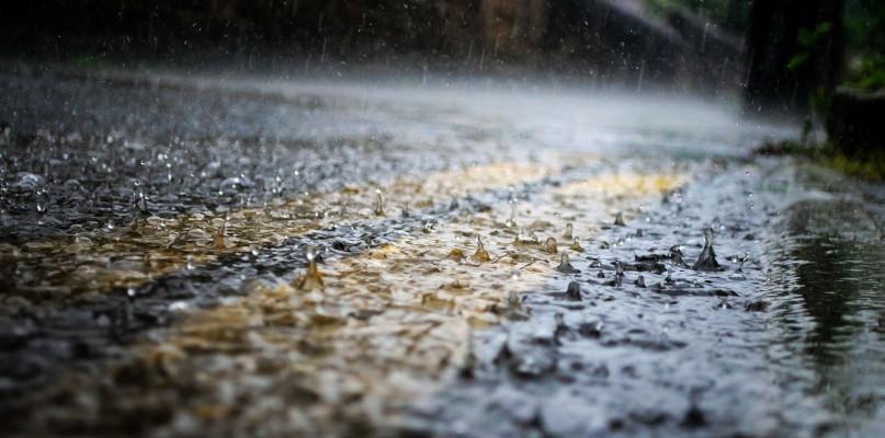 Deszczowy weekend. Synoptycy wydali ostrzeżenie  - Zdjęcie główne