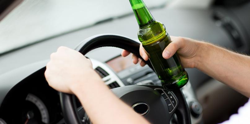 Plaga pijanych kierowców. Niebezpieczny weekend na drogach - Zdjęcie główne