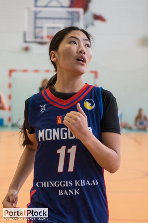 Koszykarki z Mongolii na turnieju w Płocku - Zdjęcie główne