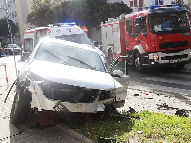 Zderzenie aut w centrum. Jest korek [FOTO] - Zdjęcie główne