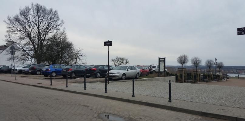 Wkrótce koniec z dzikim parkowaniem na starówce - Zdjęcie główne