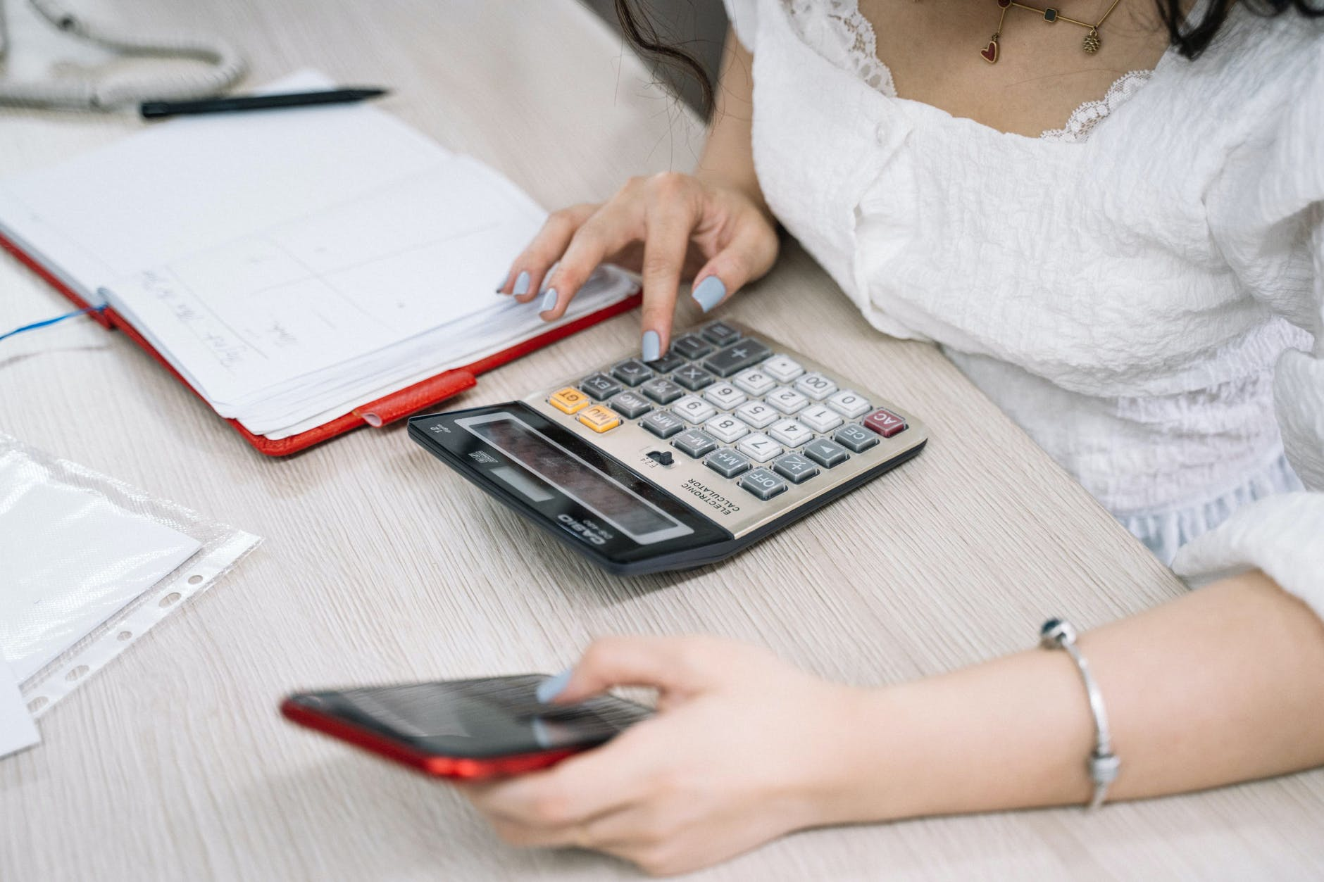 Kredyt konsolidacyjny gotówkowy – na czym polega? - Zdjęcie główne