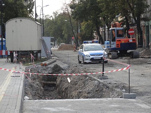 Rozkopane ulice. Kierowcy jeżdżą, jak chcą - Zdjęcie główne