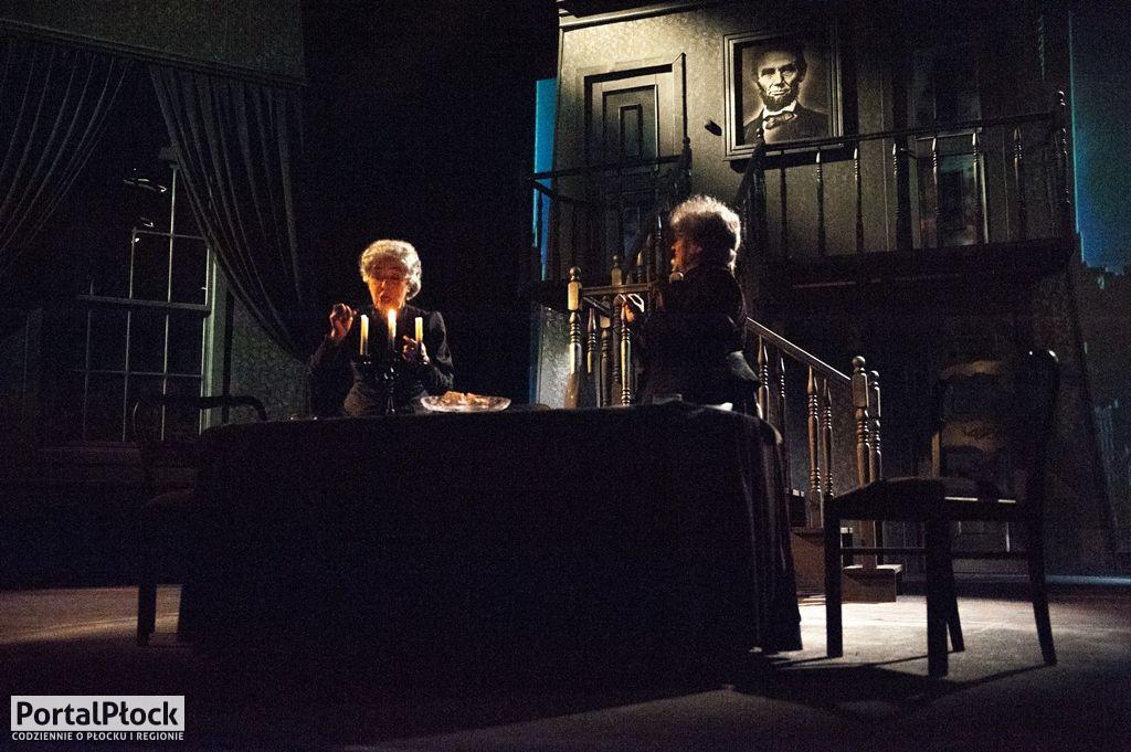 Arszenik i stare koronki w teatrze - Zdjęcie główne