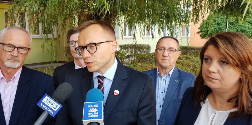 """PiS obiecuje """"Mieszkania+"""" i pomoc dla mieszkańców Żyznej - Zdjęcie główne"""