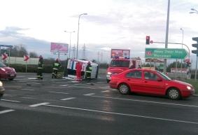 Wypadek. Auto uderzyło w karetkę [FOTO] - Zdjęcie główne