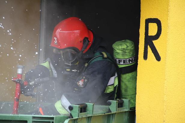 Pożar w bloku na Podolszycach [FOTO] - Zdjęcie główne