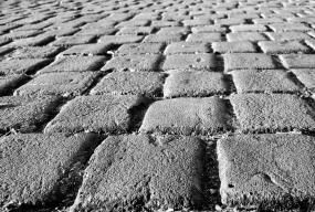 Śrutowanie betonu – po co to robić? - Zdjęcie główne