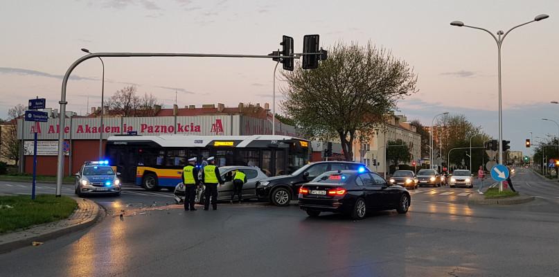 11 nietrzeźwych kierowców, ponad 30 kolizji, wypadek. Świąteczny bilans  - Zdjęcie główne