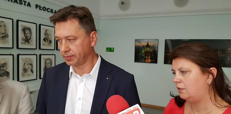 11 pytań PiS-u do prezydenta. Koszty wyjazdów, wysokości nagród... - Zdjęcie główne