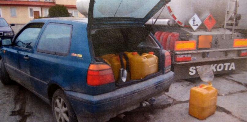 Kradli paliwo, które sami przewozili. Wpadli na gorącym uczynku - Zdjęcie główne