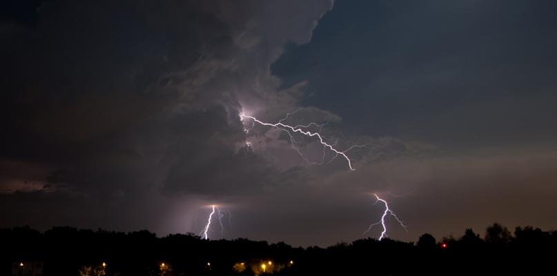 Synoptycy ostrzegają: dziś mogą wystąpić burze - Zdjęcie główne