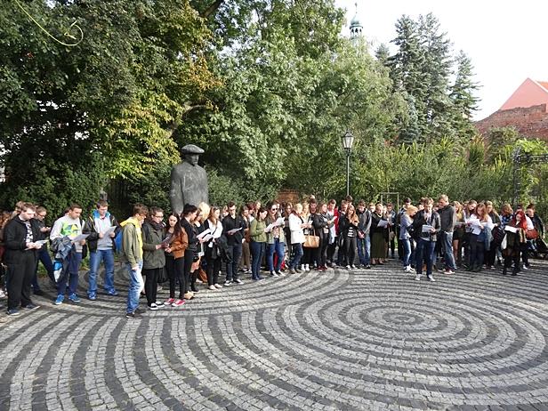 Flashmob na Tumskiej. Zaskoczeni? [FOTO] - Zdjęcie główne