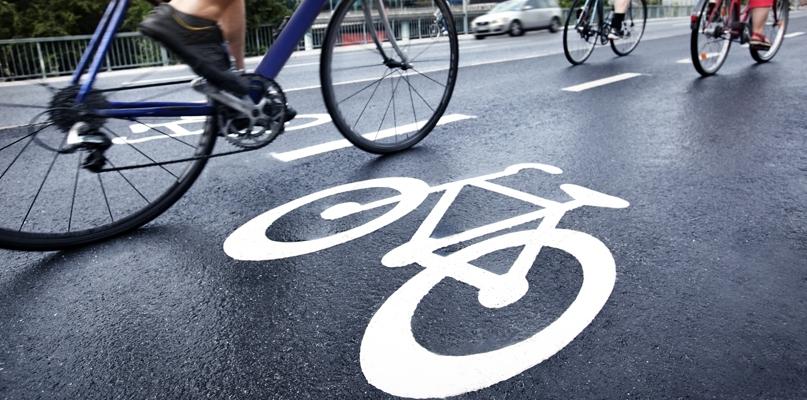 Kierowcy wściekli na rowerzystów. Niech jeżdżą po drogach dla rowerów! - Zdjęcie główne