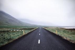 Wygoda i niezależność: wynajem samochodu podczas podróży - Zdjęcie główne